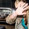Tendance : Les modeuses toujours accros au manteau léopard